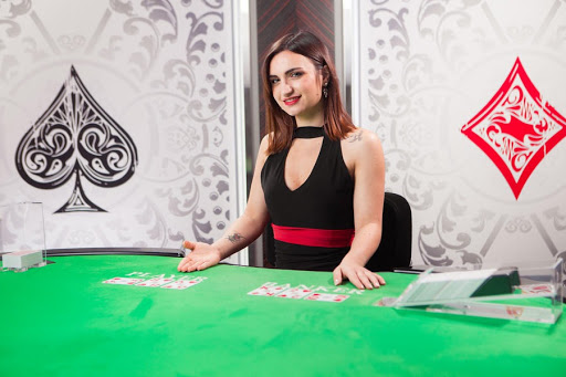 PLAYING THE GAMBLING GAME IN THE CASINO ONLINE SITES IS ASSET FOR GAMBLERS NOW