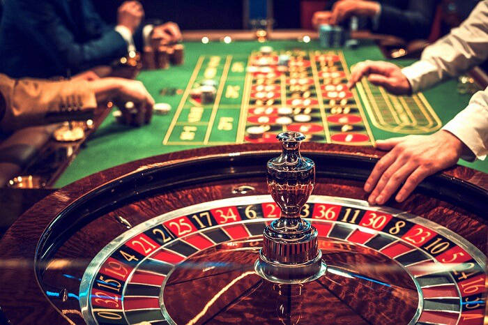 What Makes Online Casinos and Mobile Casinos Different?