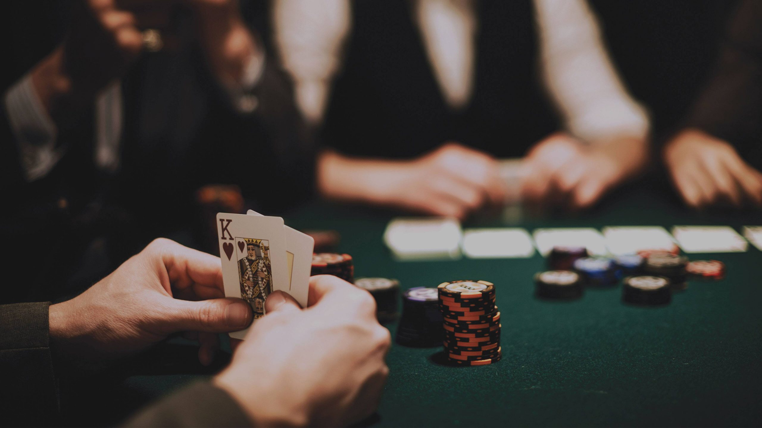 Playing Online Poker Games Can Make You Rich